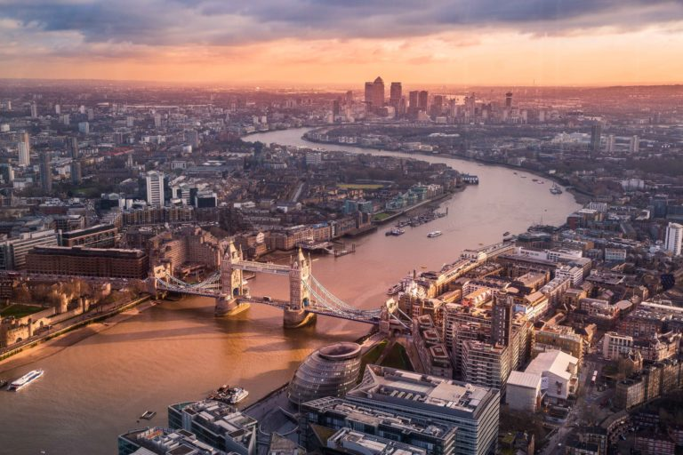 Skutki Brexitu dla londyńskich firm fintechowych mogą okazać się katastrofalne