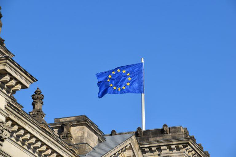 Czy UE zagrozi rozwojowi blockchaina?