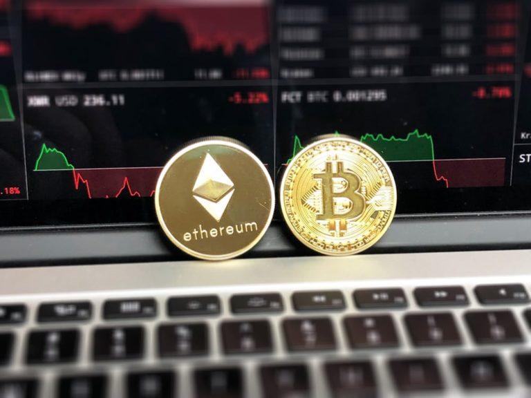 """""""Bitcoin pójdzie na dno"""", czyli Davos dyskutuje o przyszłości blockchaina"""