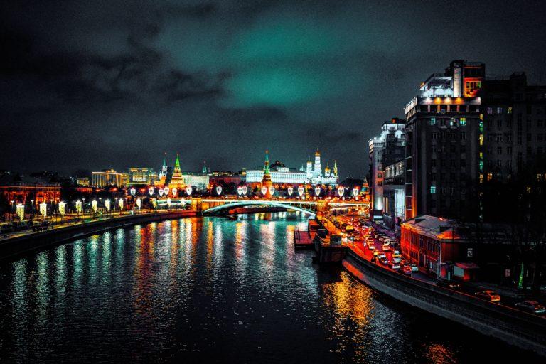Rosyjskie kryptowaluty,  czyli o tym jak ominąć sankcje Zachodu i wiele więcej